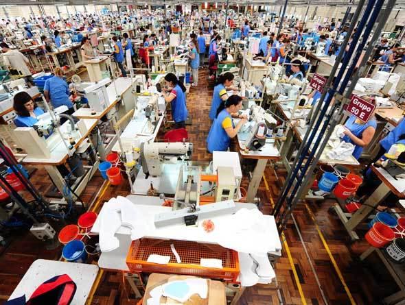 Indústria empregou 8,8 milhões de pessoas em 2014, diz IBGE