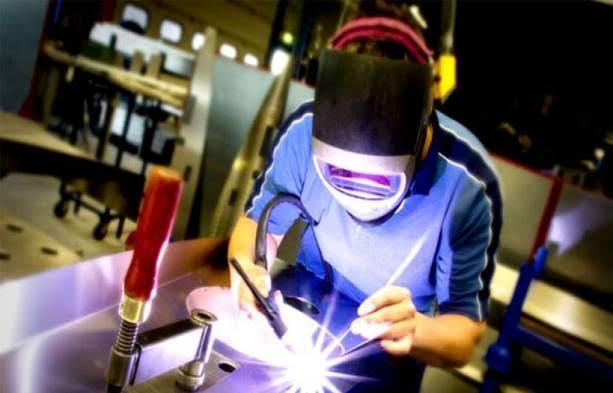 Produção industrial varia 0,1% em abril, mostra IBGE