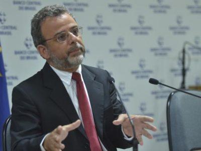 Brasil deve ter saída de investimentos estrangeiros em julho, diz BC