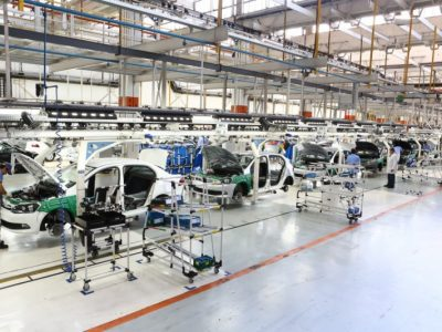 Indústria cresce 3,7% em 5 meses; expansão em julho é de 0,1%