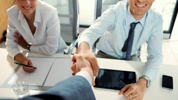 Vagas devem cair, mas intenção de contratar melhora