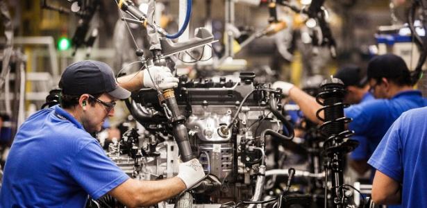 Número de vendas mundiais de robôs industriais batem recorde