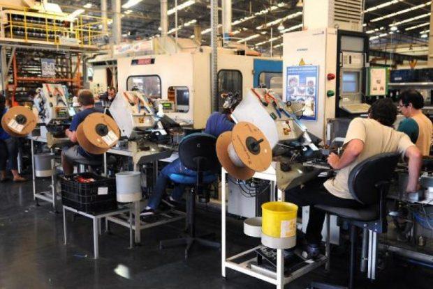Produção industrial cresce em 10 dos 14 locais pesquisados pelo IBGE