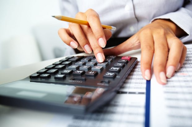 Investimentos e dívidas pioram as contas do Estado