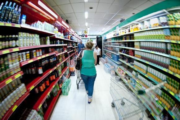 Após queda, cresce 17% consumo de importados
