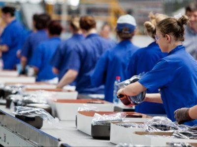 Produção industrial cai em oito dos 15 locais em fevereiro